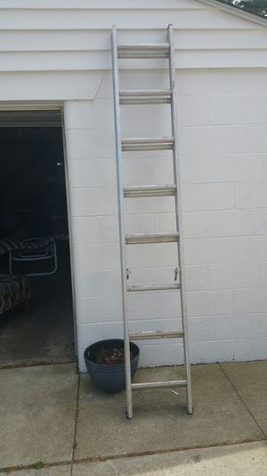 16 ft Aluminum Extension Ladder for Sale in Columbus, OH
