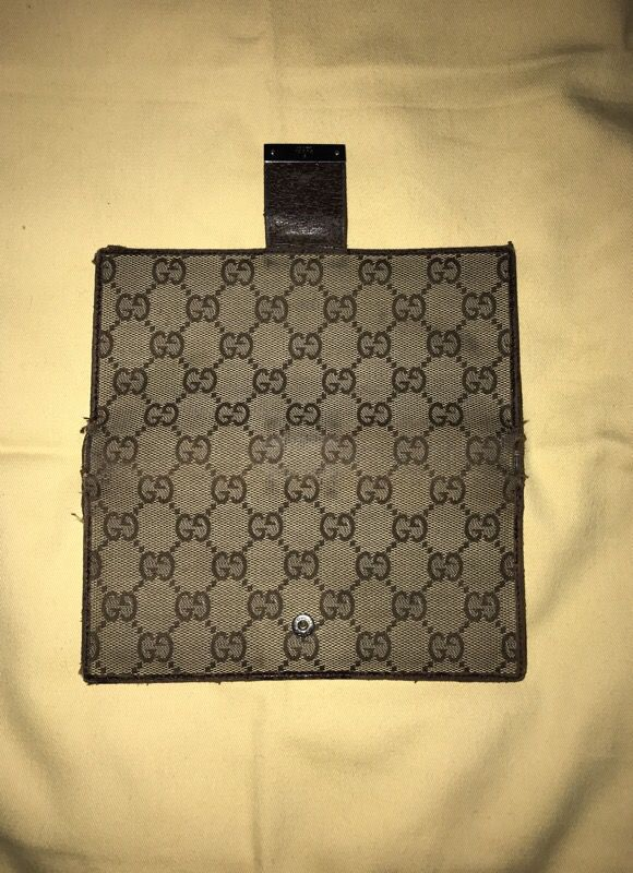 07b36b8a829b Authentic Gucci Checkbook Cover for Sale in South San Francisco, CA ...