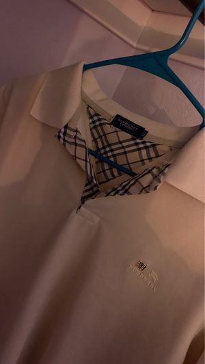 Burberry Tee for Sale in Antioch, CA