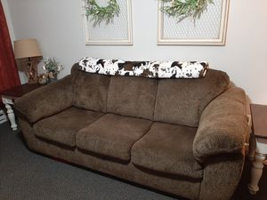 Brown couch set for Sale in Grinnell, IA