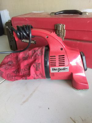 Vintage vacuum dirt devil for Sale in Fairlawn, OH