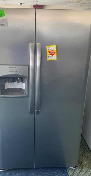 Brand new Frigidaire LFSS2612TF refrigerator W7 for Sale in Los Angeles, CA