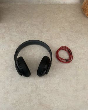 Beats by Dre Studio 2.0 Wired Headphones Work Great! for Sale in Glendale, AZ