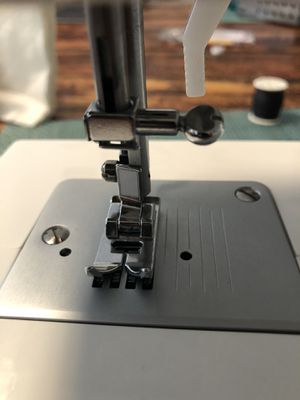 Singer sewing machine for Sale in Gilbert, AZ
