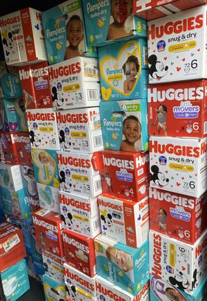 Huggies snug and dry, huggies little movers, pampers baby dry, pampers swaddlers for SALE for Sale in Hialeah, FL