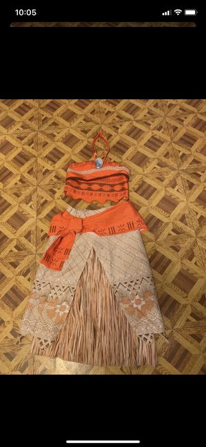 Moana costume size 5/6 for Sale in Los Angeles, CA