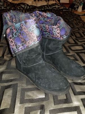 Ugg Boots (Authentic size 8 womens) for Sale in Detroit, MI