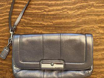 Silver Coach Purse/Wristlet for Sale in Everett,  WA