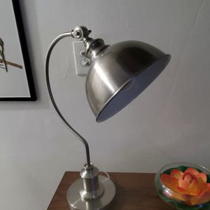"Vintage Adjustable Mid Century Metal.Silver Goosneck Table Lamp 21"" for Sale in Miami, FL"