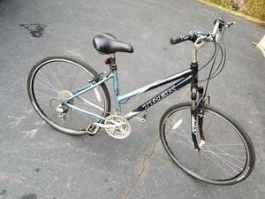 Trek 800 womens 700c wheel hybrid mountain bike for Sale in Hoffman Estates, IL