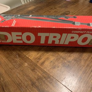 Video Tripod for Sale in Vancouver, WA