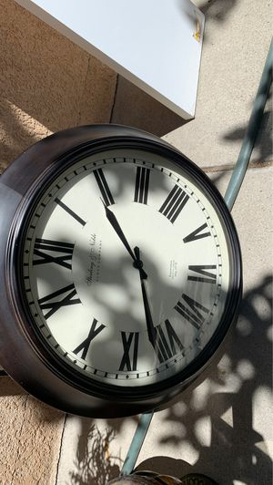 Wall clock for Sale in Canyon Country, CA