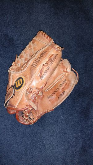 Wilson leather baseball glove for Sale in US