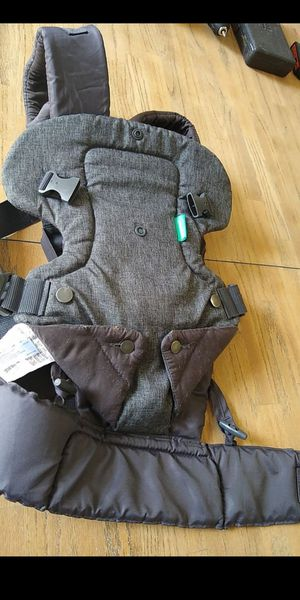 Infantino baby over the shoulder carrier for Sale in Lacey, WA