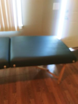 Massage table for Sale in Shelbyville, TN
