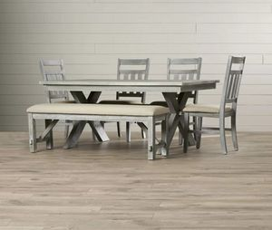 GREY KITCHEN TABLE WITH A BENCH. 6 PIECE SET for Sale in Ridgefield, WA