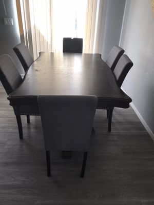 Dining table for Sale in El Mirage, AZ
