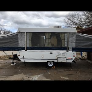 2004 pop-up camper Coleman for Sale in Rowlett, TX
