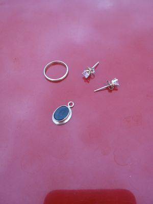 Child's 10k Yellow Gold Jewelry for Sale in Randleman, NC