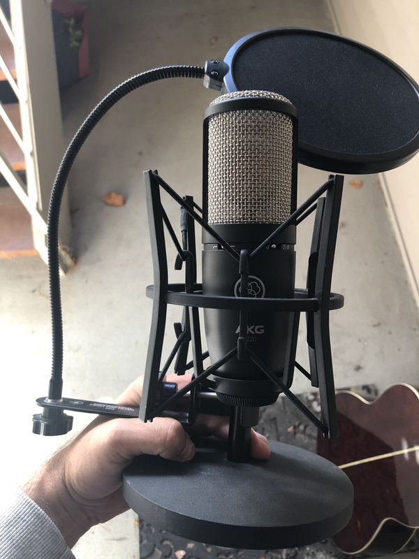 AKG P220 Profesional Condenser Microphone