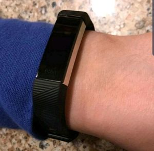 Fitbit Alta HR for Sale in Marietta, GA