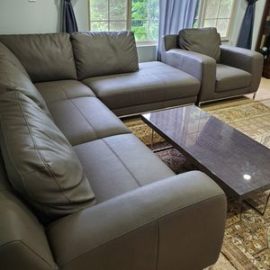 excellent condition kasala sectional and chair for Sale in Lynnwood, WA
