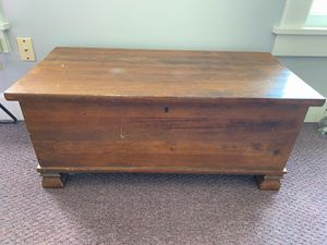 Coffee table / wood chest for Sale in Alexandria, VA