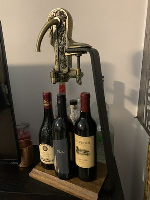 Two motion wine bottle opener for Sale in Central Point, OR