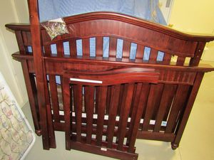 Baby Italia Eastside Lifestyle Conversion Crib with Matching Dresser for Sale in Westlake, MD