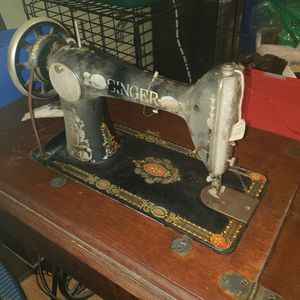 Antique Singer sewing machine for Sale in Kent, WA