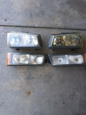 Headlight housing for 03 to 07 chevy silverado for Sale in Modesto, CA