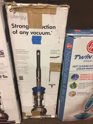 Dyson allergy vacuum for Sale in Fort Pierce, FL