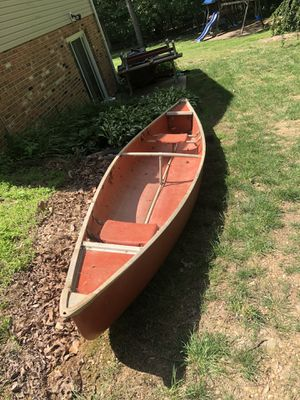 14 foot canoe, lightweight for Sale in Westminster, MD