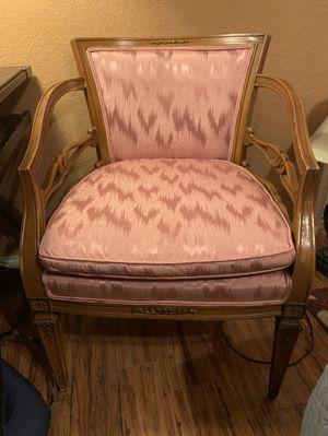 Antique chair for Sale in Tamarac, FL