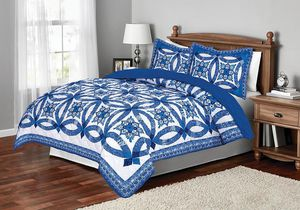 Mainstays Traditional Wedding Ring Blue Patterned Sham & comforter Collection for Sale in Bristol, CT