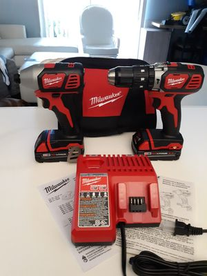 MILWAUKEE M18 COMBO KIT, IMPACT DRIVER, HAMMER DRILL, 2 BATTERIES, CHARGER AND BAG. NEW. NUEVO. for Sale in Tucker, GA