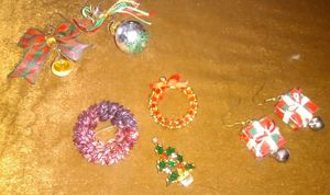 Christmas earrings and brooches for Sale in Las Vegas, NV
