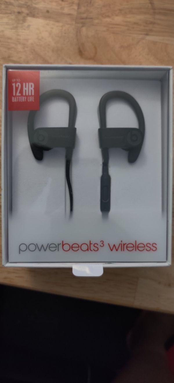 Used Powerbeats 3