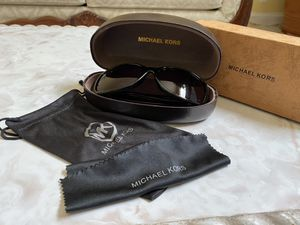 MK Michael Kors Sunglass! Gently used... in great condition! for Sale in Boynton Beach, FL