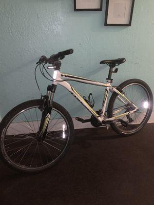"(2014 specialized HardRock Mountain Bike)(M)(26"") for Sale in Los Angeles, CA"