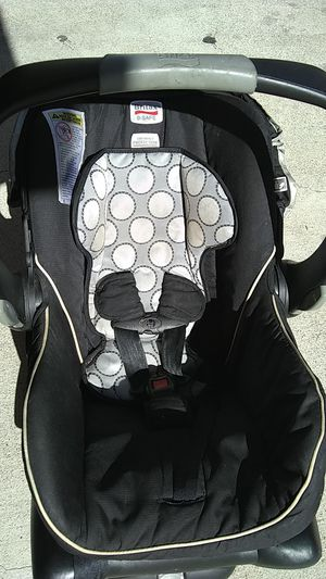 Britax b safe car seat 4 to 30 lbs for Sale in Orange, CA