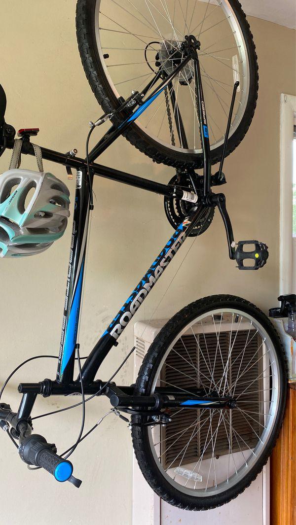 "Women's 26"" roadmaster hybrid bike. 18 speed."