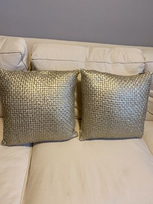 Gold Pillow for Sale in Laredo, TX