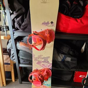 143cm Snowboard for Sale in Los Angeles, CA