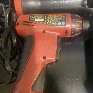 Snap On Screw Gun And Light. Includes 2 Batteries And Charger for Sale in Pompano Beach, FL