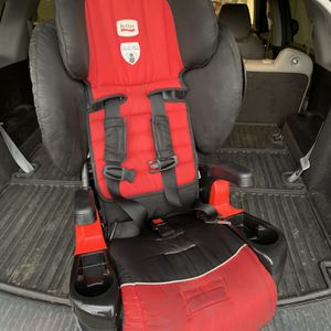 Britax Car Seat (Black & Red) for Sale in Atlanta, GA