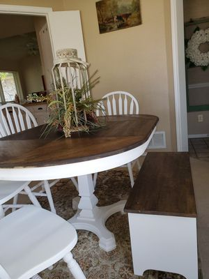Gorgeous Oval Farmhouse Dining Set for Sale in Coppell, TX