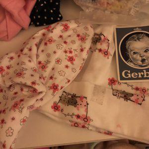 Newborn gerber baby hat for Sale in Alexandria, VA