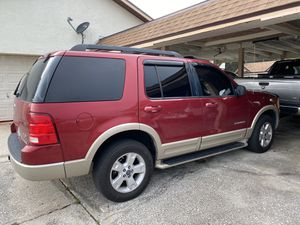 Ford Explorer Eddie Bauer 2005 for Sale in Kissimmee, FL