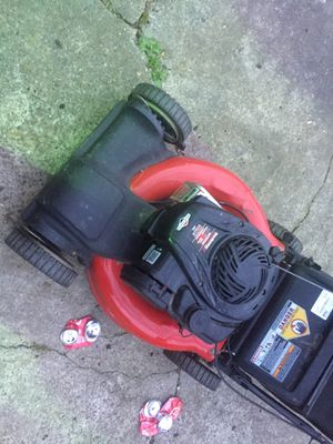 Briggs and stratton lawn mower for Sale in Houston, TX